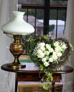 Dekoracja kwiatowa w kształcie serca