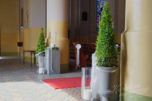 Dekoracja wejścia do kościoła