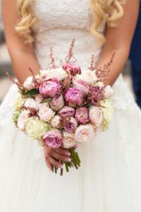 bukiet ślubny do sukni typu księżniczka