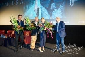 dekoracje kwiatowe na premierze filmu Sługi Boże