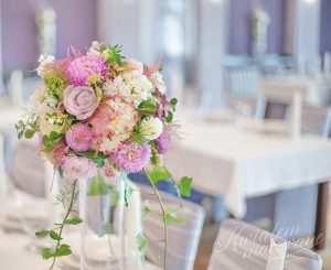 Dekoracja florystyczna na stół Państawa Mlodych