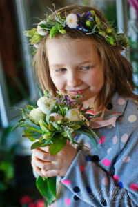 Wianek i bukiecik komunijny z żywych kwiatów